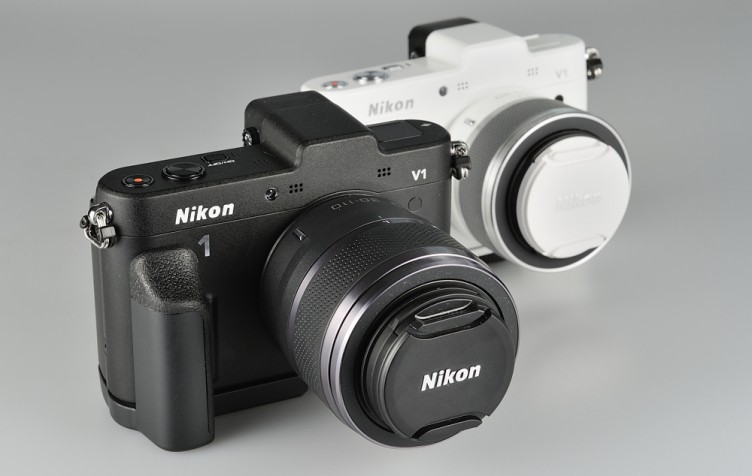 Nikon 1 V1 White and Black